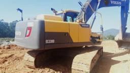 Título do anúncio: Escavadeira Volvo Ec220d 2014