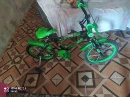 Vendo bicleta do Hulk
