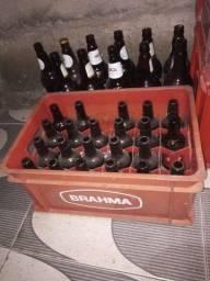 Cascos de cerveja com vasilhame