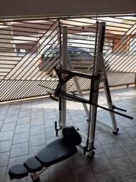 Vendo ou troco aparelhos de musculação para academia