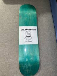 Título do anúncio: Shape Milk 8.0 muito novo skate