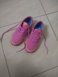 Título do anúncio: Tenis skate nike sb charge rosa n37