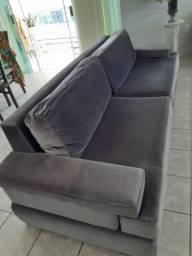 Vendo sofá semi novo.