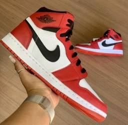 Título do anúncio: Tênis Nike Air Jordan - Vermelho e Branco
