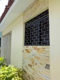 Casa usada no Cristo com 2 Quartos R$ 140.000,00*