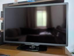 "Título do anúncio: TV LED 46"" PHILIPS com Ambilight<br>"
