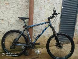 Bike p/ circuito /trilhas  aro 26! (RJ)