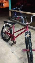 Título do anúncio: Vendo essa bike ou negocio