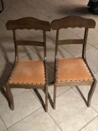 Título do anúncio: 2 cadeiras de madeira em santa cruz do sul