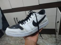 Nike Air Jordan 1 LOW branco usado