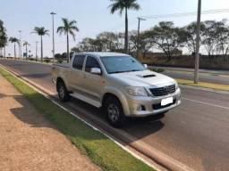 Toyota Hilux 3.0 Std Cab. Dupla 4x4 4p - 2015
