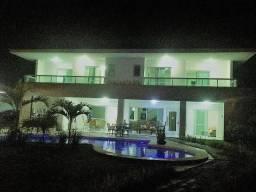 Magnífica mansão no luxuoso condomínio encontro das águas