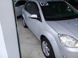 FORD Fiesta Sedan 1.0 4P - 2005