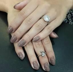 Contrata Manicure