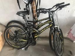 Bicicleta Caloi aro 26 (21 marchas)