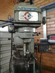 Fresadora ferramenteira Sinitron iso40