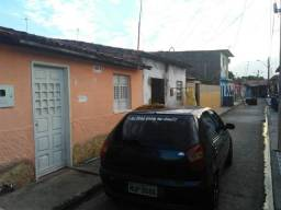 Residência localizada em Santos Dumont, próximo de tudo, escola, delegacia, bombeiro, Ufal