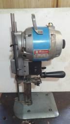 Maquina de corte têxtil