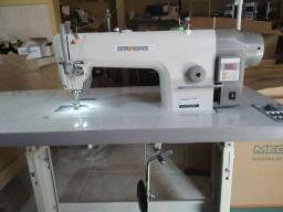 Máquina de costura industrial reta Megamak MK 9814-D. Com motor direct drive