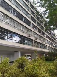 Apartamento Com 04 Quartos na Asa Sul/sqs 106 - Com 220 m²