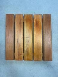 Deck de Madeira Modular Revestimentos 50cm x 50cm