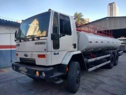 Caminhão Ford Cargo 6332 6x4