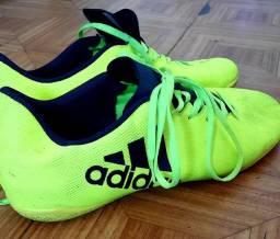 Título do anúncio: Tênis de futebol Adidas PRA LEVAR HJ!
