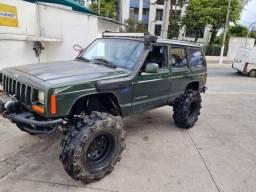 Cherokee Sport 98 Preparada