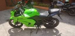 Título do anúncio: Kawasaki Ninja 250R 2010 verde