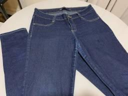 Título do anúncio: Calça jeans azul escuro Hering, tam 42.