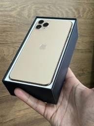 iPhone 11 Pro Max 256GB Dourado Gold - Até 18x no cartão! Semi novo, perfeito 256 GB