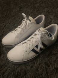 Tênis Adidas branco pouco uso