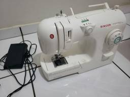 Título do anúncio: Máquina de costura Singer Inspiration