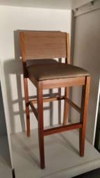 Cadeira alta em madeira maciça