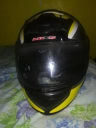 Vendo capacete valor 100 reais
