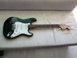 Kit Guitarra Squier by Fender Start Affinity Series + Amplificador Frontman 15G comprar usado  Curitiba