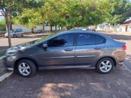 Vendo Honda City ou troco por carro de menor valor