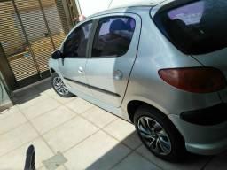Vendo Peugeot 1.4 ou troco por moto pequena ou carro Hatch de maior valor completo. - 2007