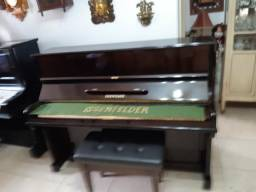 Piano Essenfelder modelo pequeno
