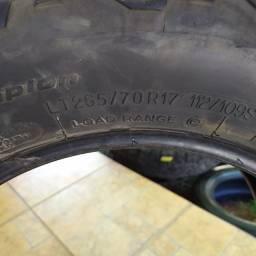 Vendo 04 pneus para caminhonete