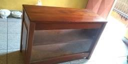 Balcão de madeira colonial