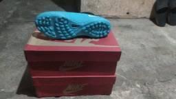 Chuteira Nike na caixa