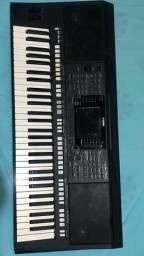 Yamaha PSR 750