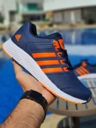 Título do anúncio: Vendo Tênis Adidas ( 120 com entrega)