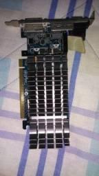 Título do anúncio: Nvidia Geforce GT 210 (usada, mas bem conservada).