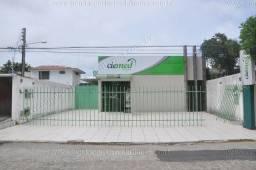 Prédio comercial no Faro, com escritório, galpão e estacionamento
