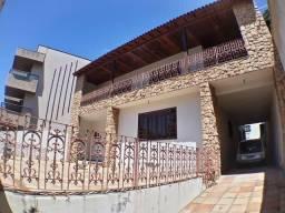 Casa Duplex de 04 quartos no Jardim Guarnabara