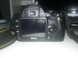 Nikon D90 e D40