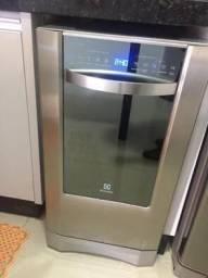 Máquina de lavar louça (ELETROLUX)