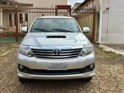 Toyota - Hilux SW4 SRV 2012 4x4 controle de estabilidade - 2012